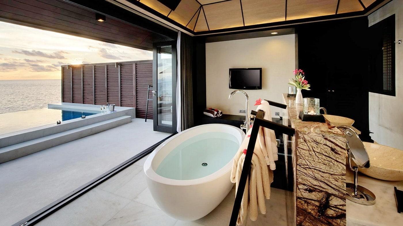 (c) Lily Beach Resort & Spa at Huvahendhoo / Malediven