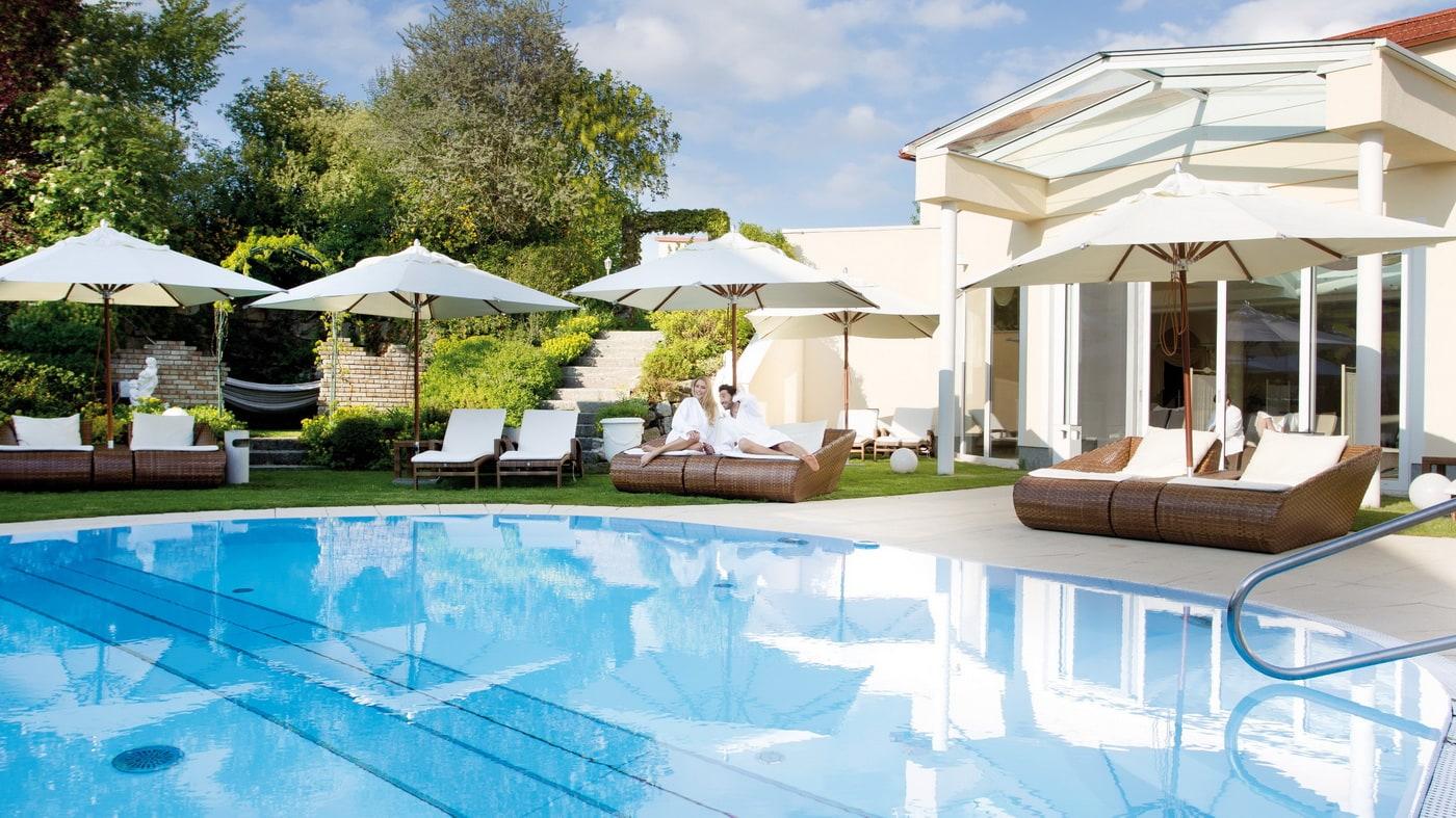 Outdoor Pool (c) Bergergut