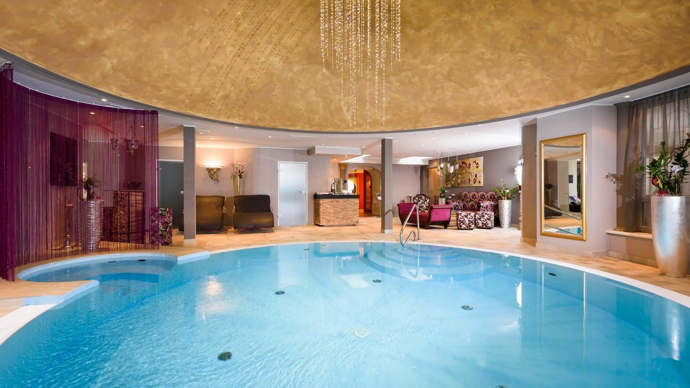Indoor Pool (c) Bergergut