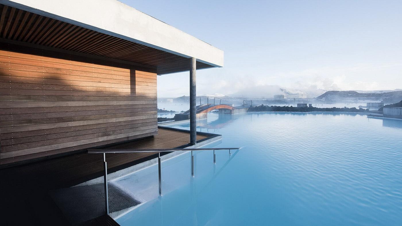 (c) The Retreat at Blue Lagoon Iceland
