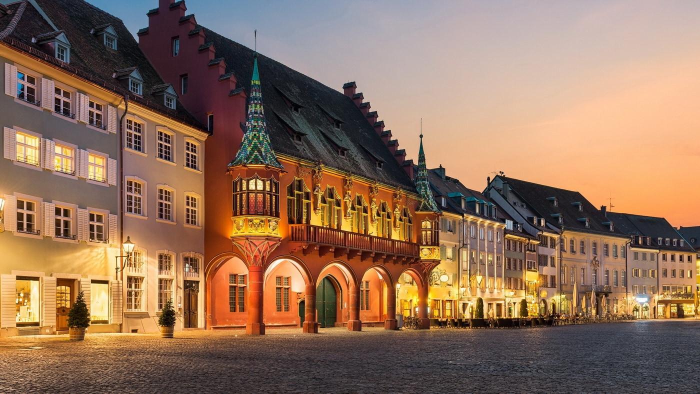 Freiburg (c) Shutterstock / Mapics